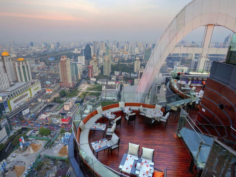 red-sky-rooftop-bar-bangkok