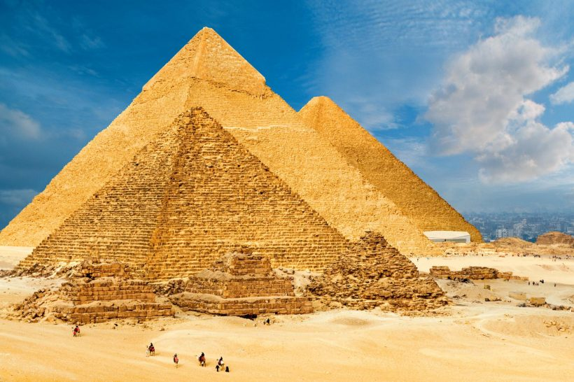 giza-plateau-pyramids.ngsversion.1485215491918.adapt.1900.1
